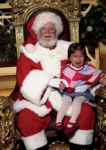 santa-with-crying-kid